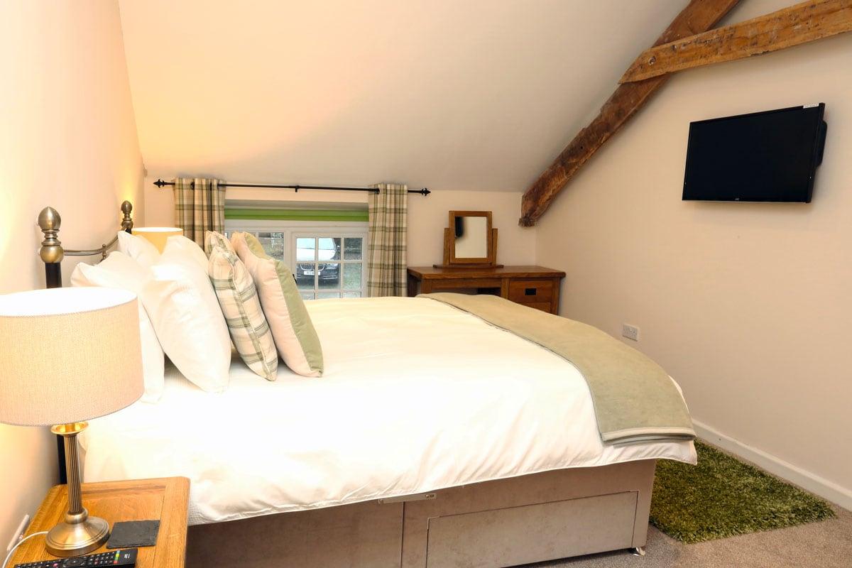 Coachingmans Green Bedroom 1